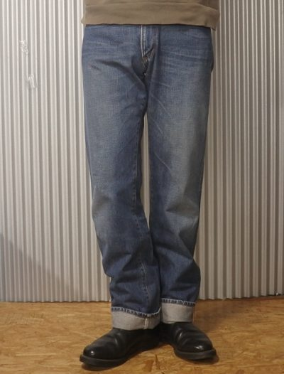 90s Wrangler Selvedge jeans Made in JAPAN W31-32 Wearing image