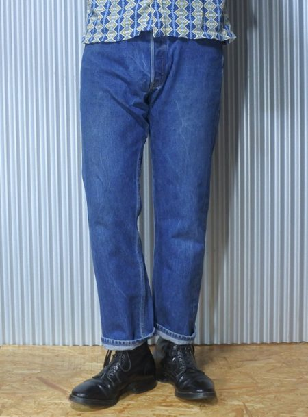 90s Levi's501 Made in USA W32-33 1999 made Wearing image