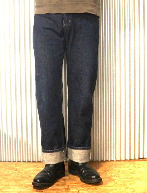 90s Wrangler Selvedge denim jeans Made in JAPAN Wearing image