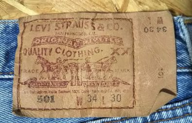 1990s Levi's 501 Made in USA W33 Paper label